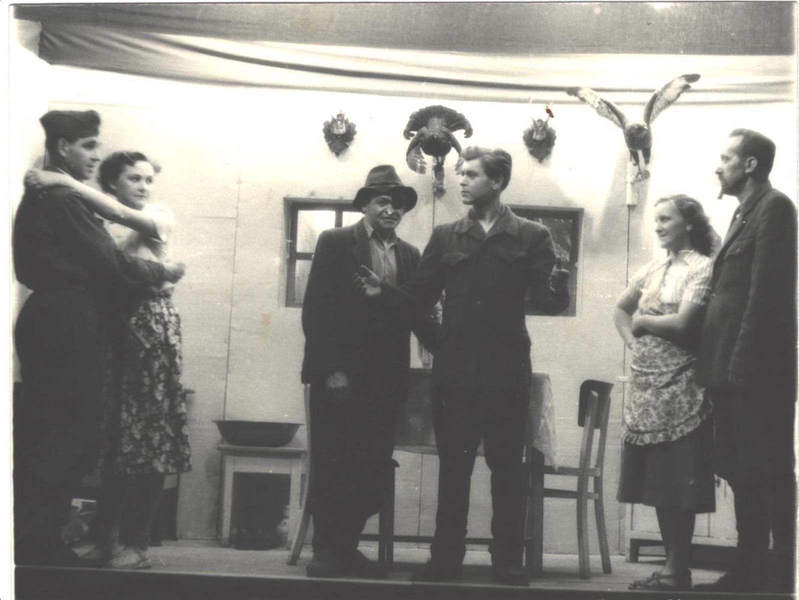 divadlo-2-1949