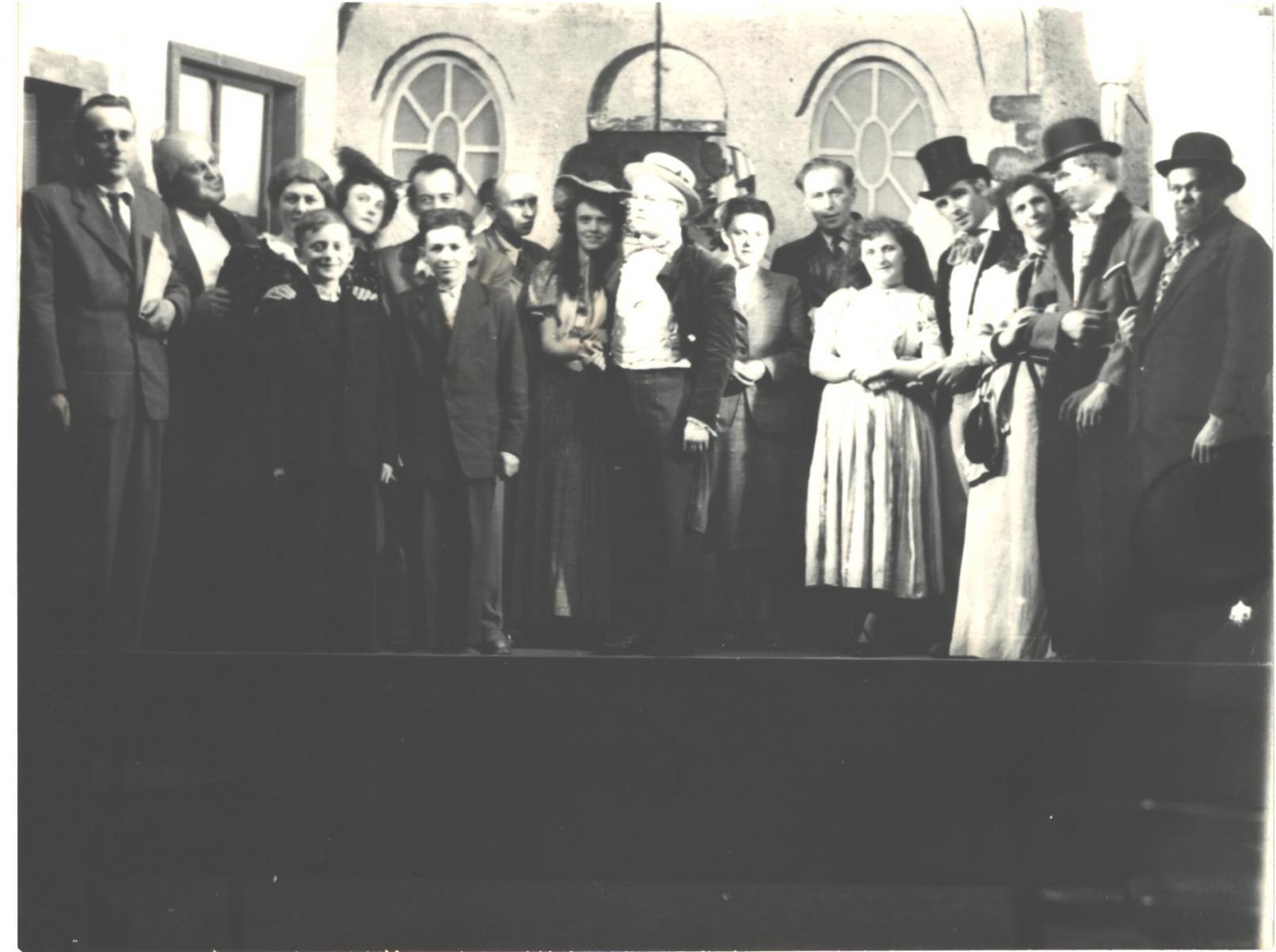 divadlo-3-1951